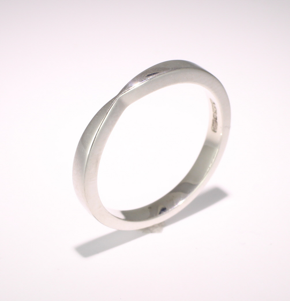 Shaped Wedding Ring Width 2.5mm (R1172) 9ct White Gold
