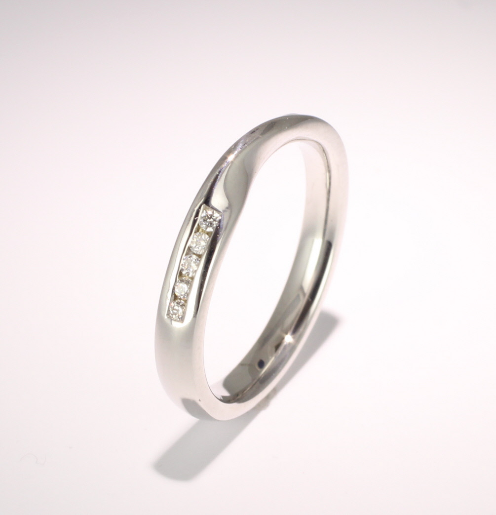Shaped Wedding Ring (R1140.Di.10) - All Metals