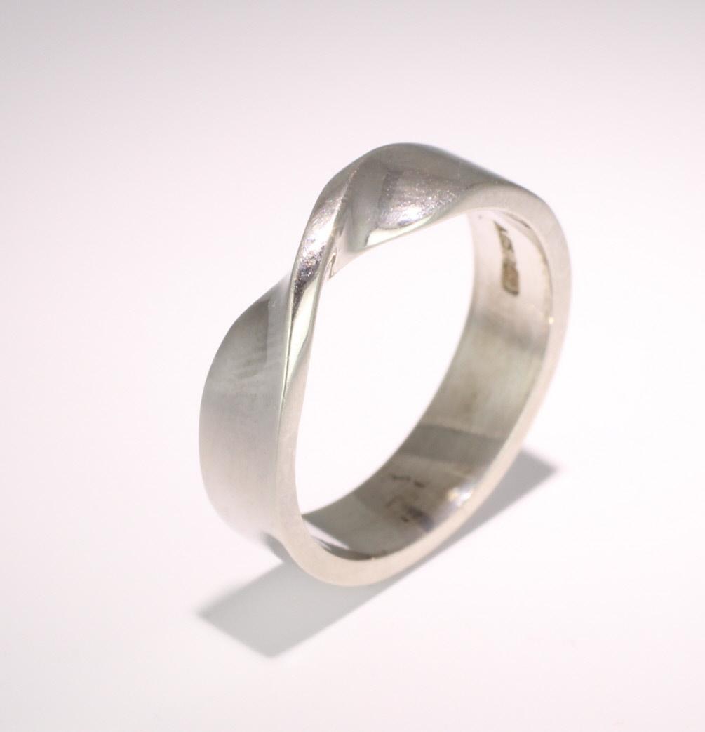 Shaped Wedding Ring Width 5mm (PR995) Platinum