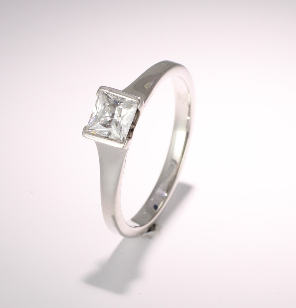 Engagement Ring Solitaire (TBC171) - GIA Certificate - All Metals