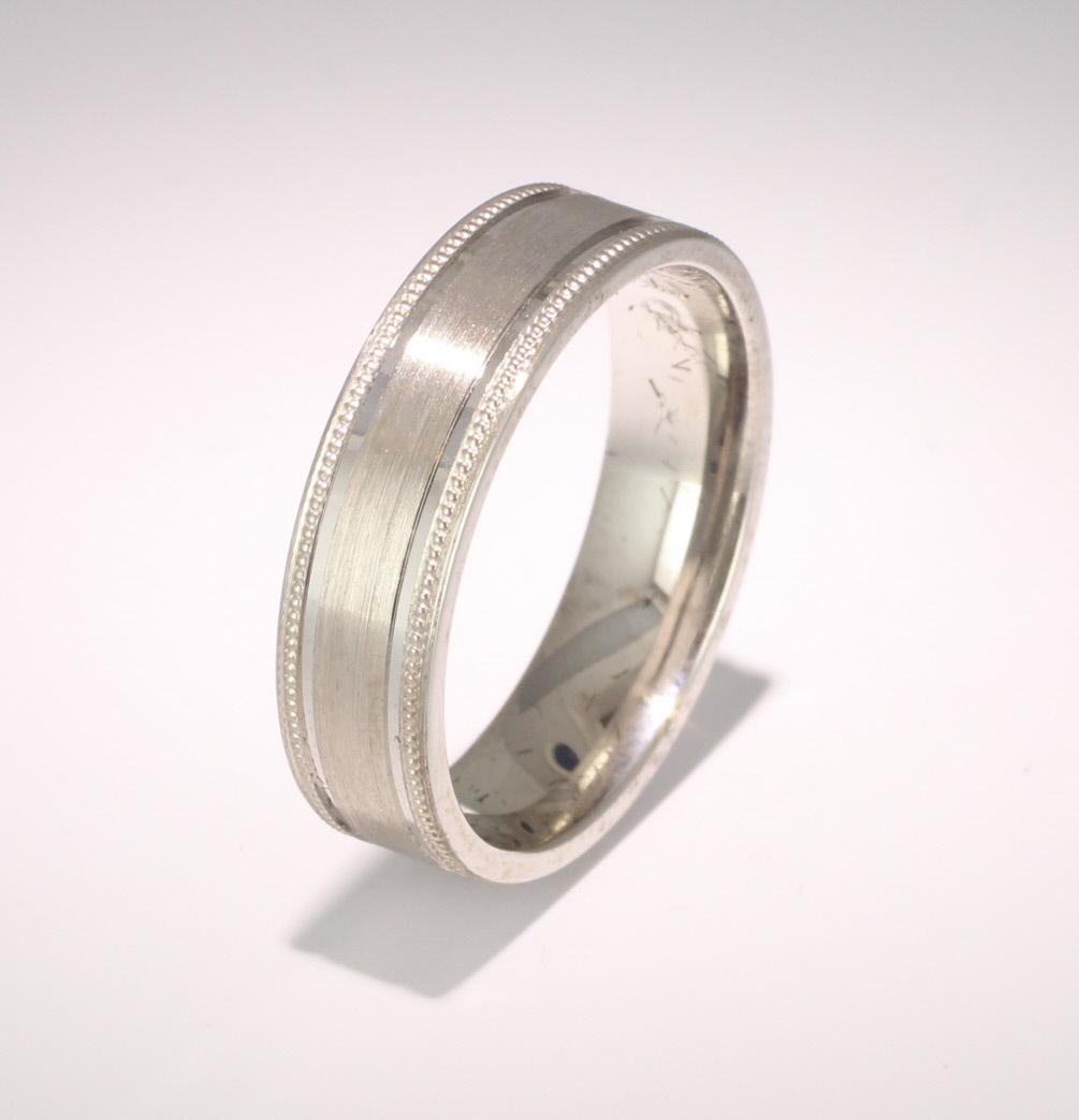 Patterned Designer Platinum Wedding Ring Espacio