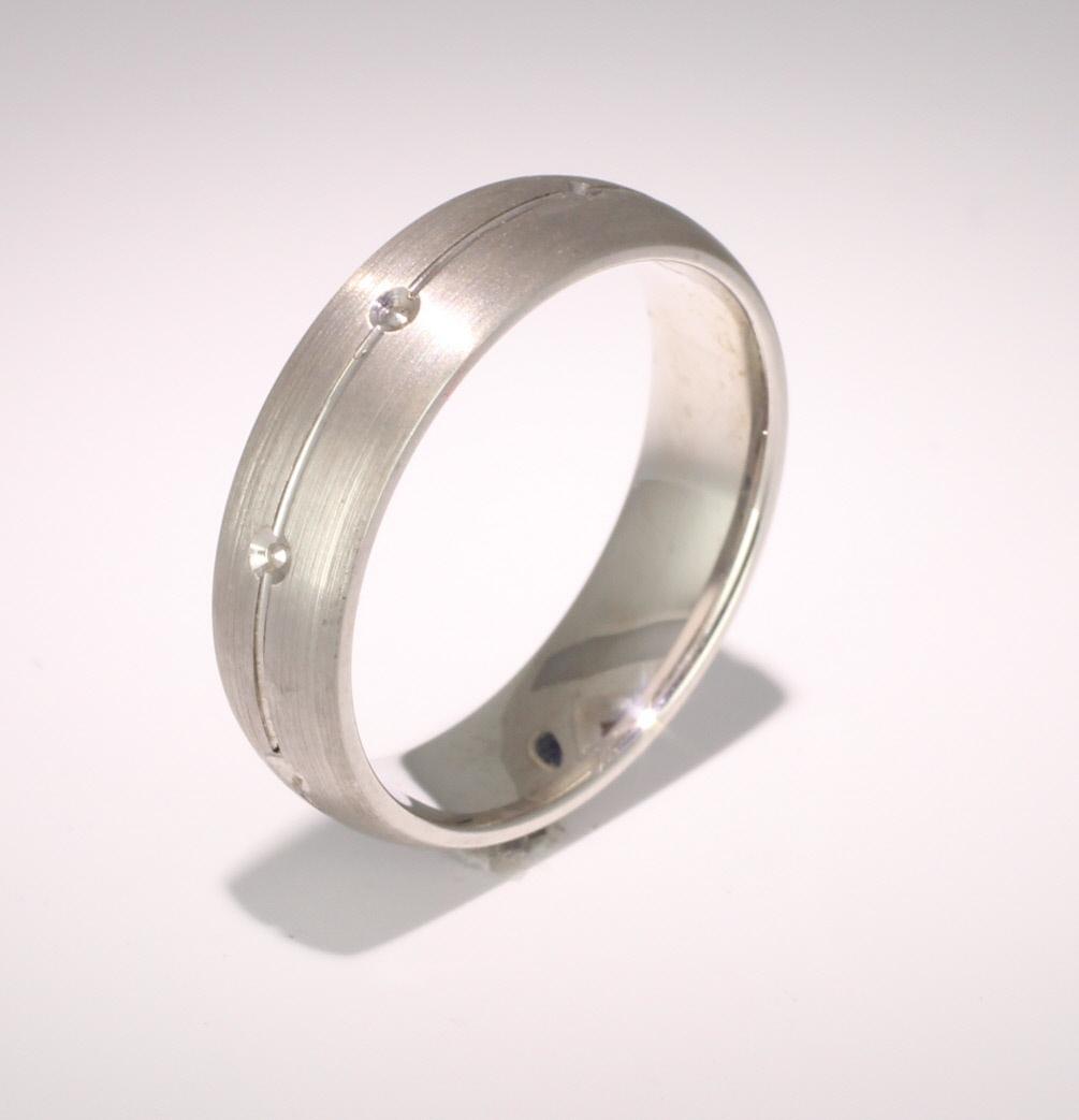 Patterned Designer White Gold Wedding Ring - Beso