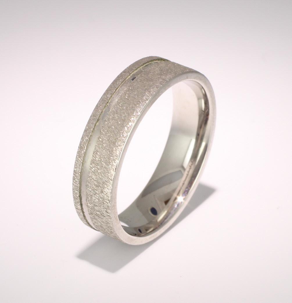 Patterned Designer White Gold Wedding Ring - Eterno