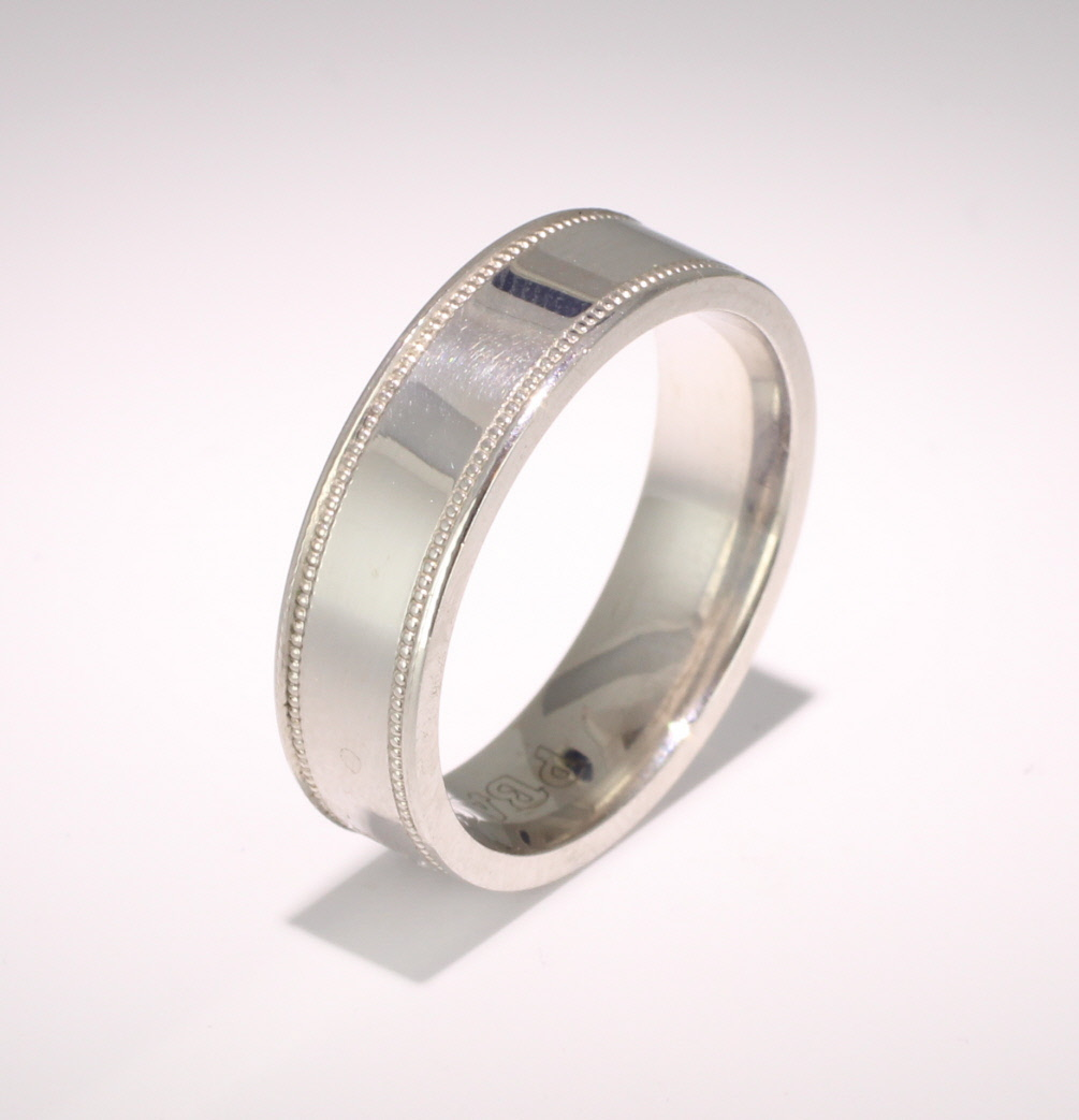 Patterned Designer White Gold Wedding Ring - Felicita