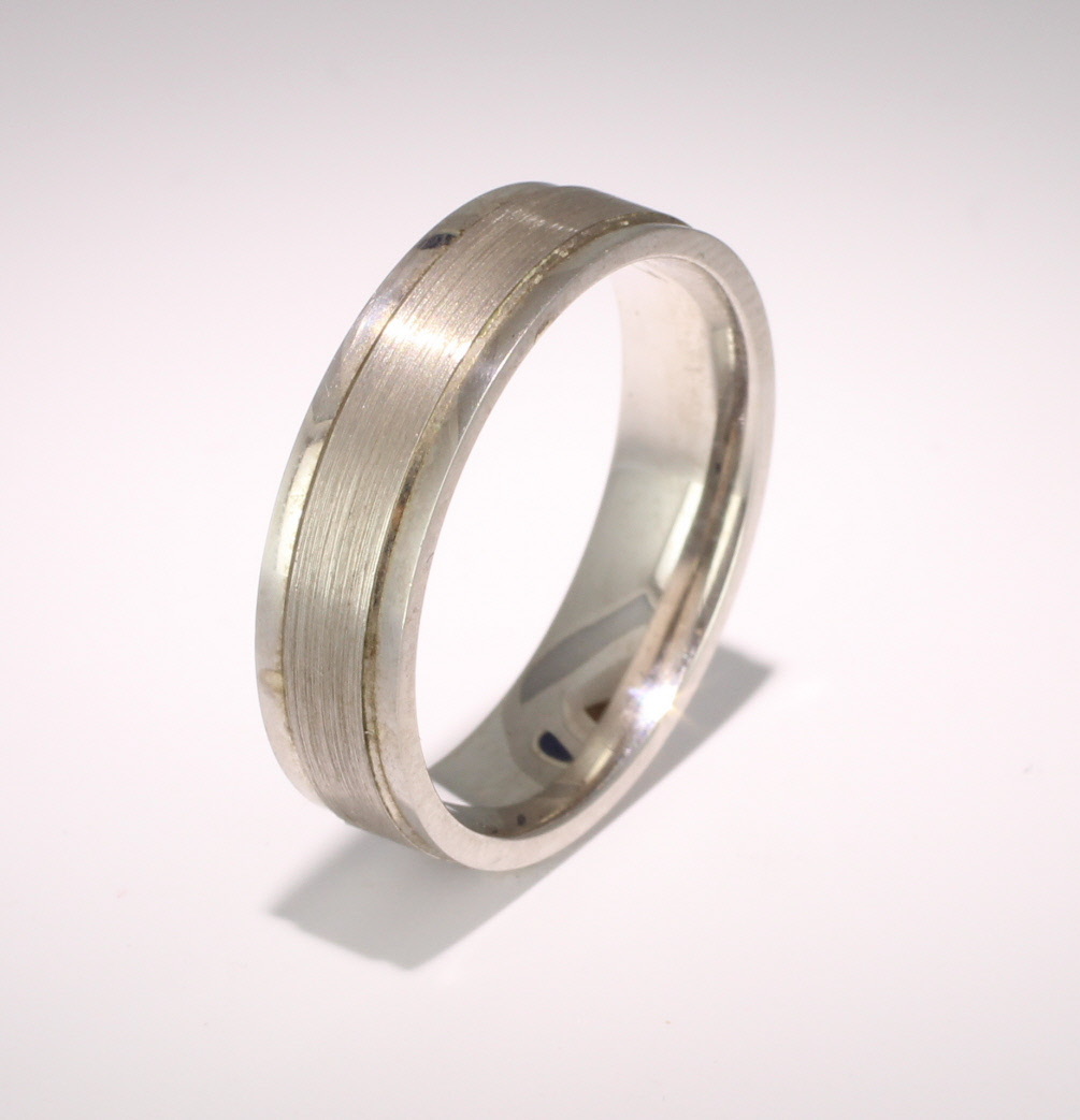 Fiore Pattern 4mm to 6mm Flat Court 9ct White Gold Wedding Ring