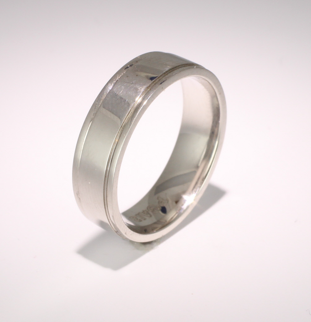 Patterned Designer White Gold Wedding Ring - Insieme