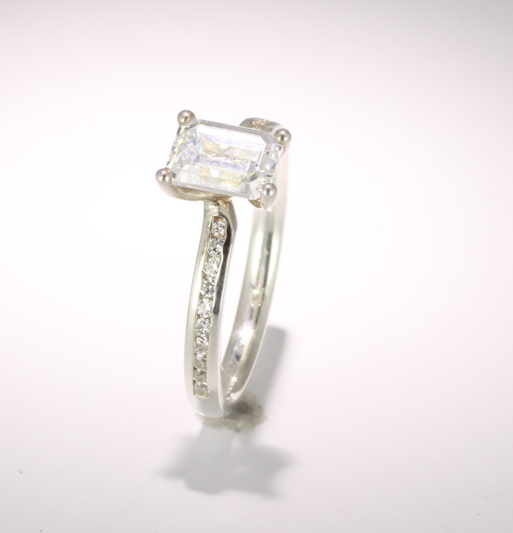 Engagement Ring with Shoulder Stones (TBC910) - GIA Certificate