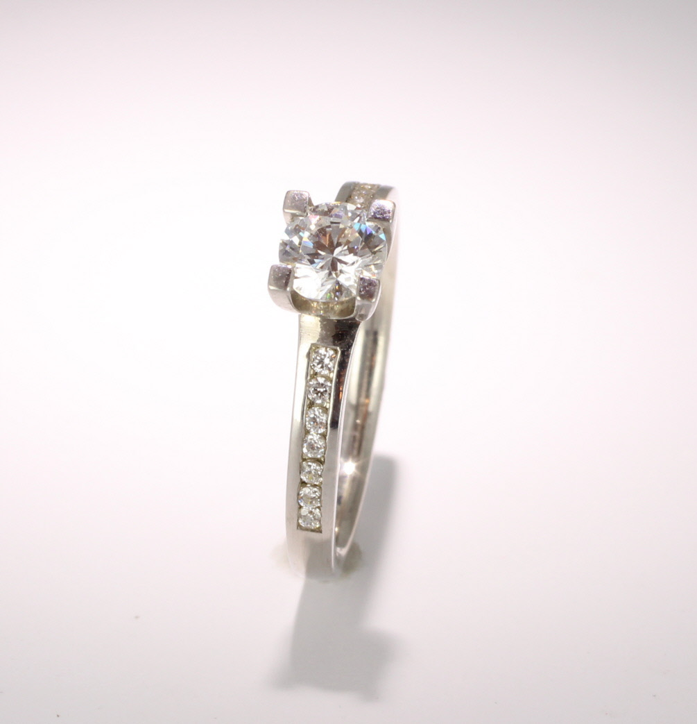 Engagement Ring with Shoulder Stones (TBC942) - GIA Certificate