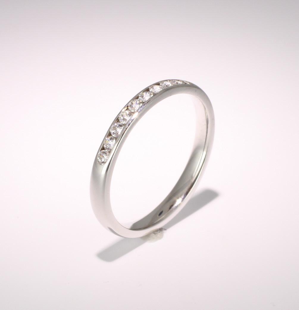 18ct White Gold Eternity Ring Ten Stone