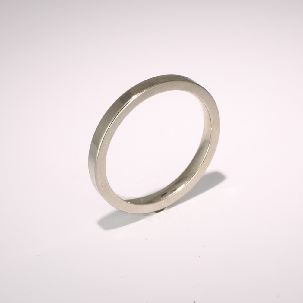 Flat Court Medium -  2.0mm Platinum Wedding Ring (Plat or Pall)