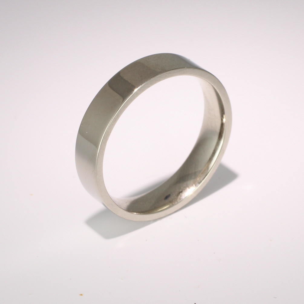 Flat Court Medium - 5mm (FCSM5 W) White Gold Wedding Ring