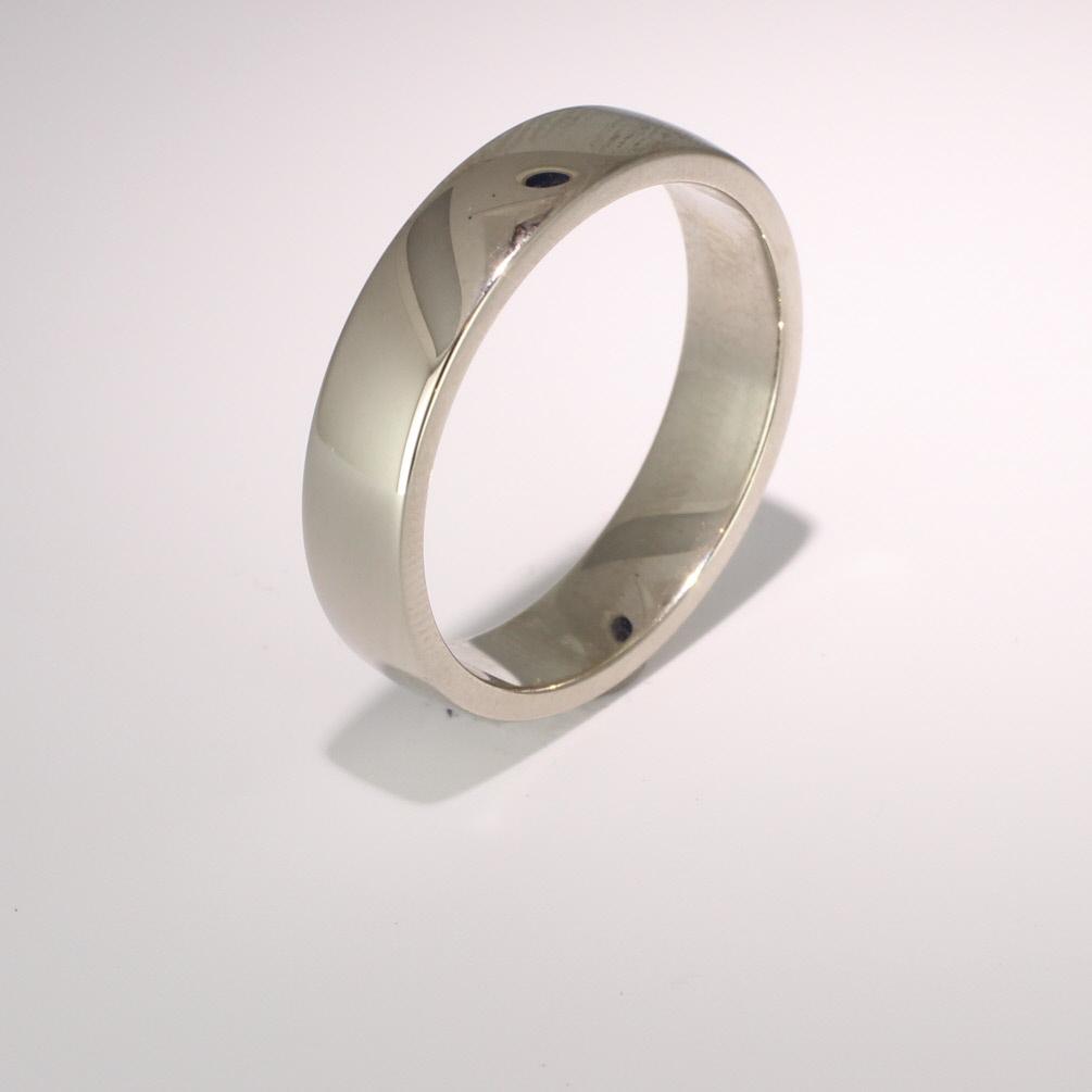 Soft Court Medium - 5mm (SCSM5 W) White Gold Wedding Ring