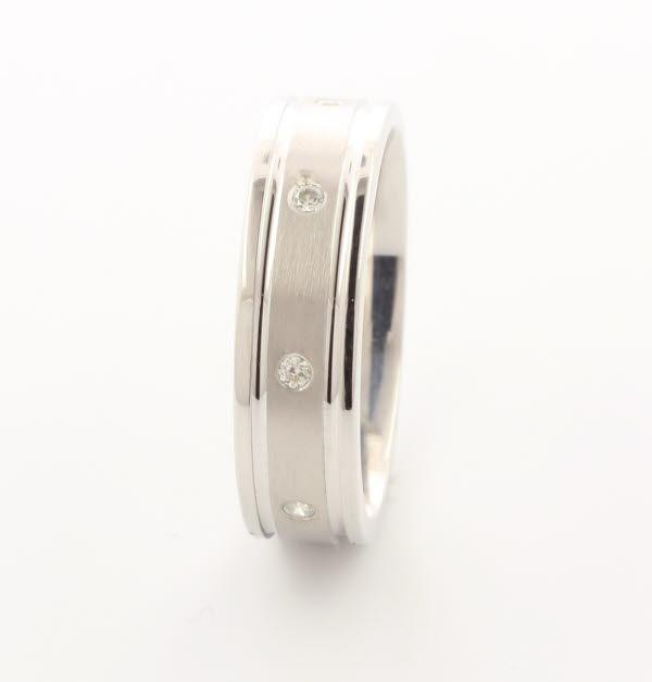Patterned Designer White Gold Wedding Ring - Diligo