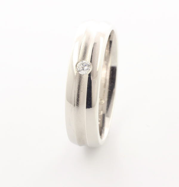 Patterned Designer White Gold Wedding Ring - Encanto