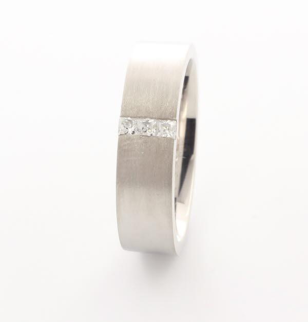 Prezioso 4 to 6mm Flat Court 18ct White Gold Diamond Wedding Ring