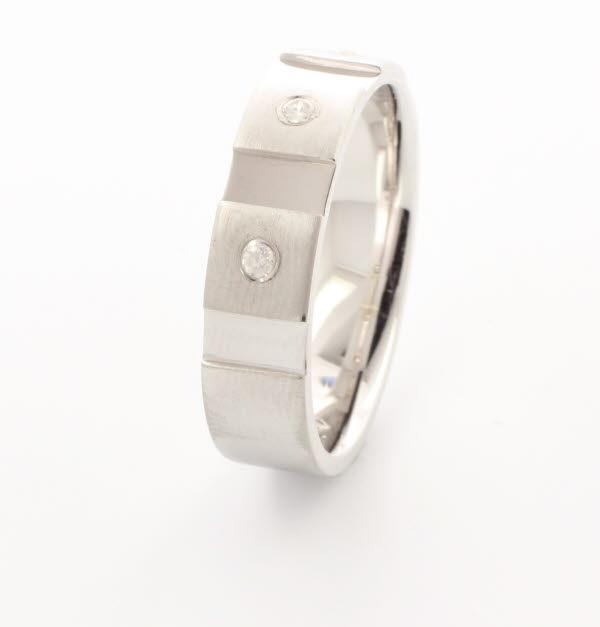 Contatto 4 to 6mm Flat Court 18ct White Gold Diamond Wedding Ring