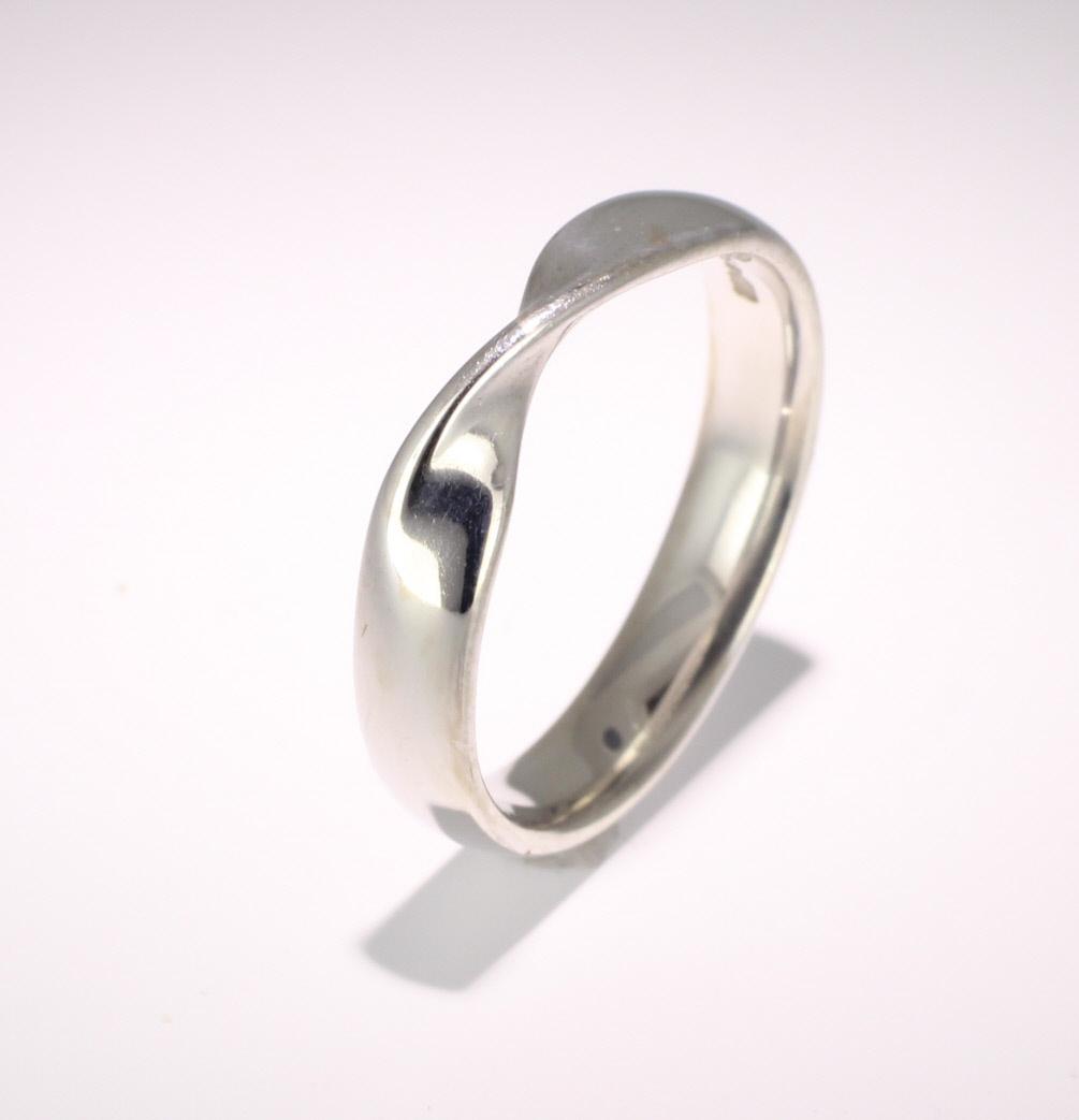 Shaped Wedding Ring Width 4mm (PR502) Platinum