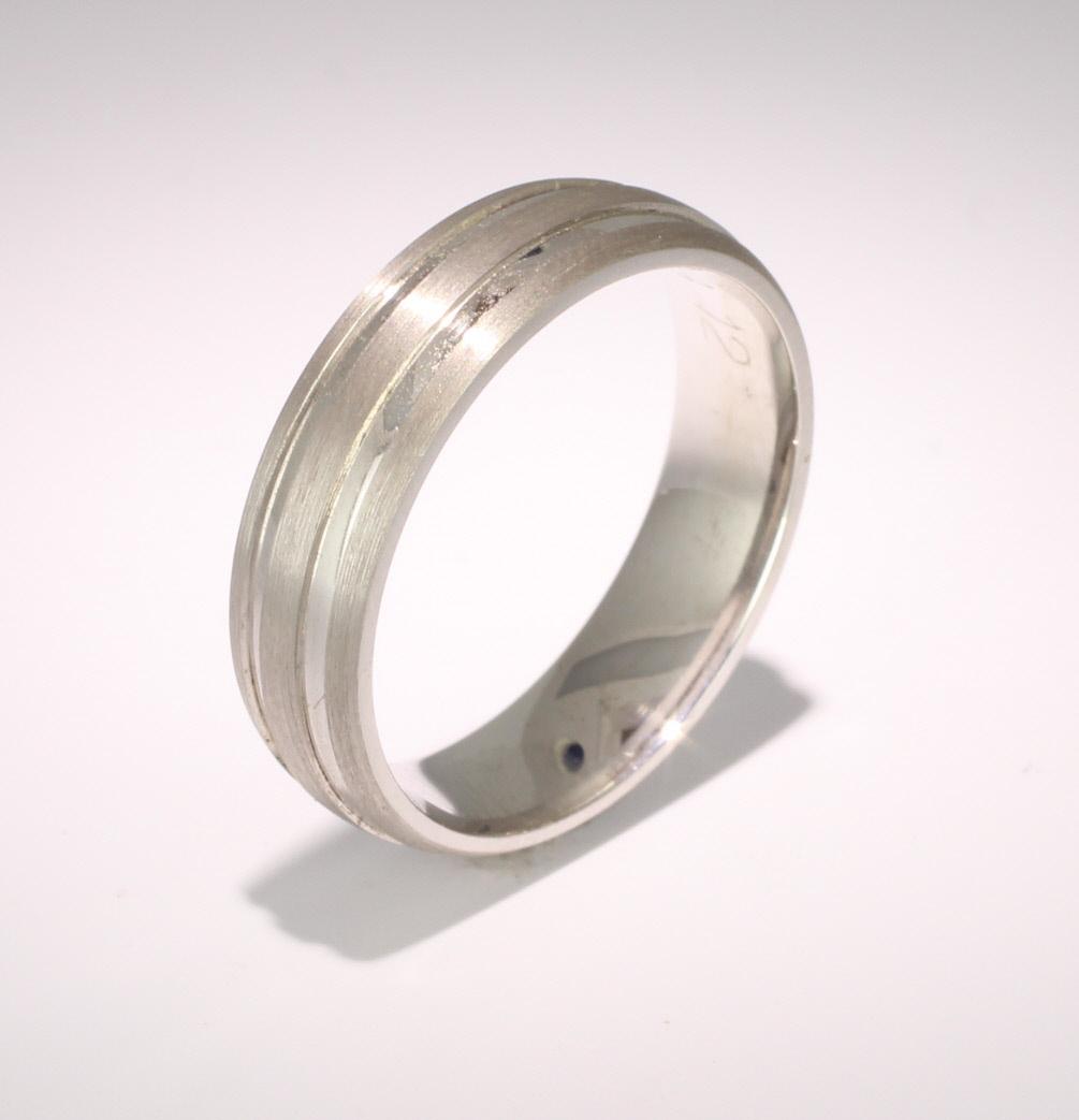 Special Designer Palladium Wedding Ring Dedique