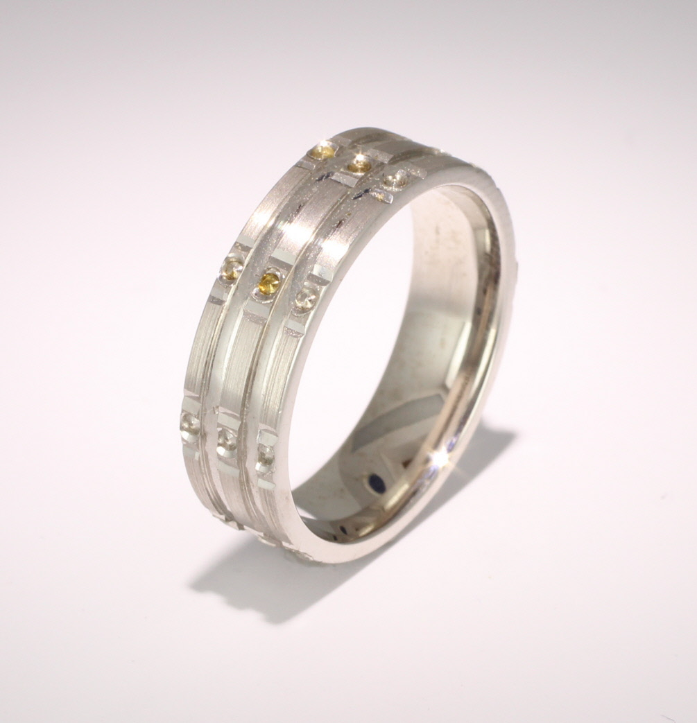 Patterned Designer Palladium Wedding Ring Stelle