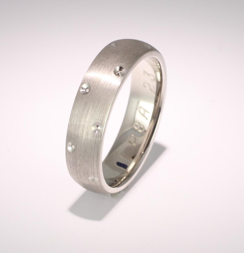 Special Designer Palladium Wedding Ring Entrelace