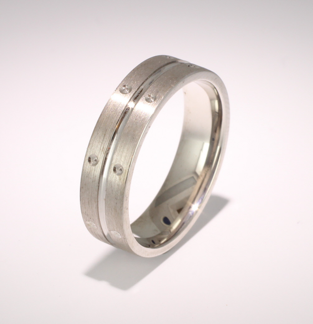 Special Designer Platinum Wedding Ring Amitie (Plat or Pall)