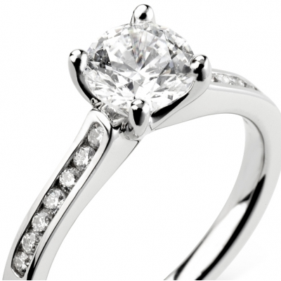 Diamond Engagement Rings with Shoulder Stones