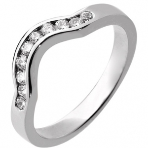 18ct White Gold Ladies Shaped Diamond Wedding Ring 2.7mm